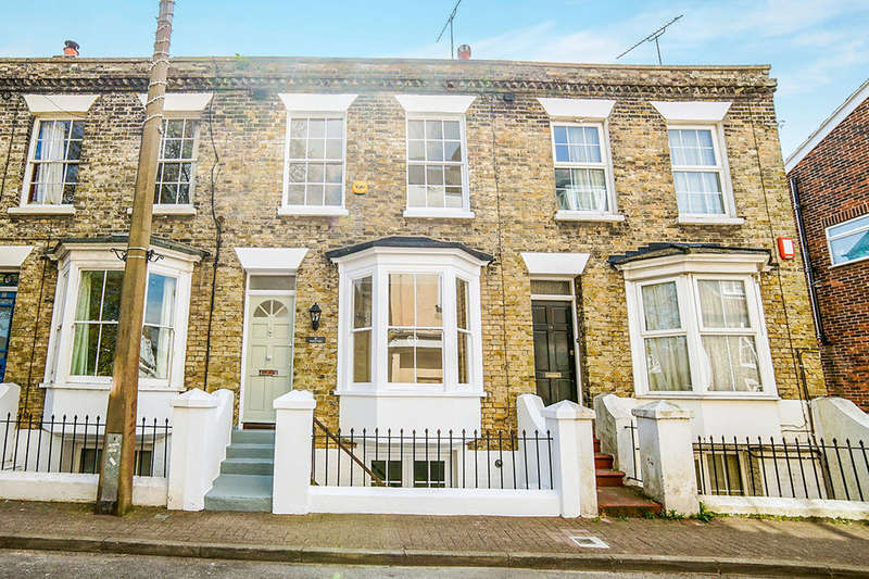 3 Bedrooms Property for sale in High Street, St. Peters, Broadstairs, CT10