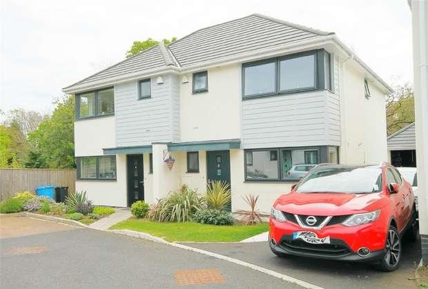 3 Bedrooms Semi Detached House for sale in Lower Parkstone, Poole