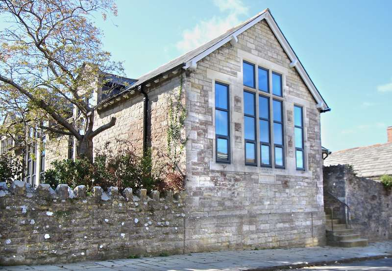 2 Bedrooms Terraced House for sale in JUBILEE ROAD, SWANAGE