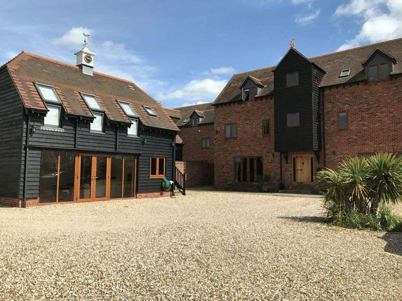 5 Bedrooms Detached House for sale in Milton Road, Drayton