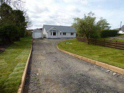 3 Bedrooms Bungalow for sale in Penysarn, Sir Ynys Mon, Anglesey, North Wales, LL69