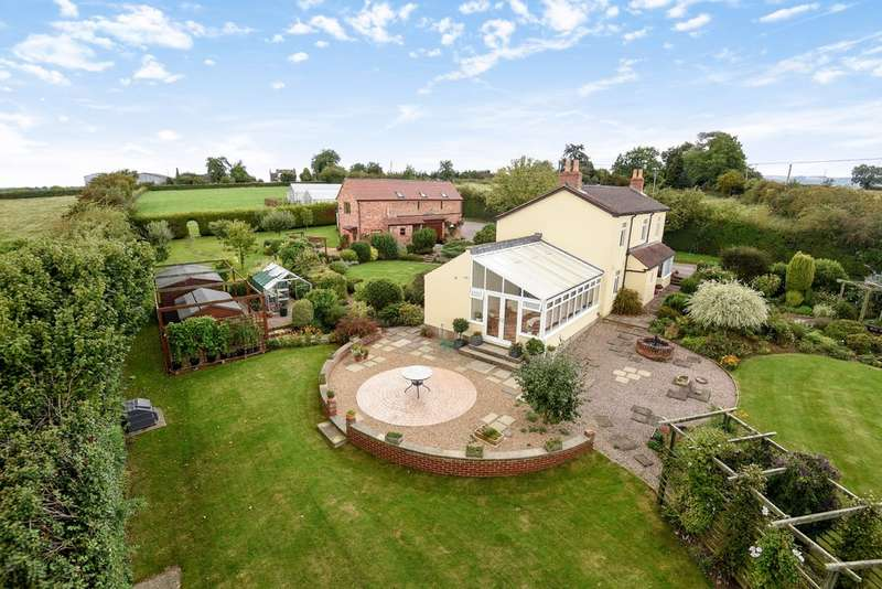 4 Bedrooms Detached House for sale in Nr Cheltenham