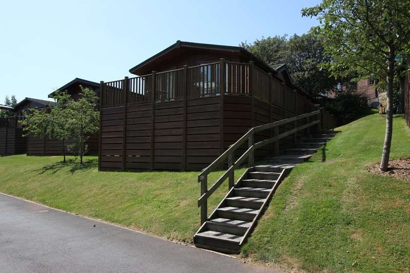 3 Bedrooms Mobile Home for sale in Devon Hills Holiday Village