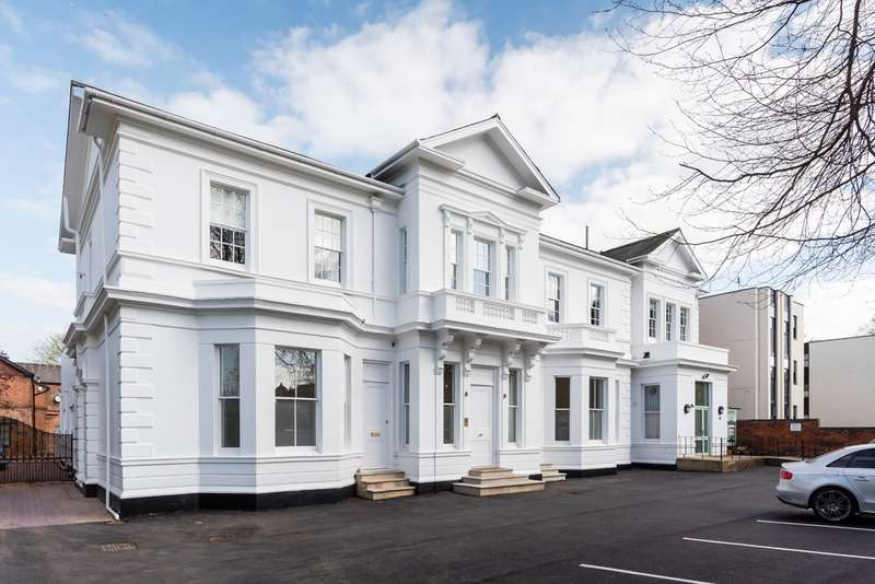 2 Bedrooms Flat for sale in Apartment 2 Moseley Lodge, Leamington Spa