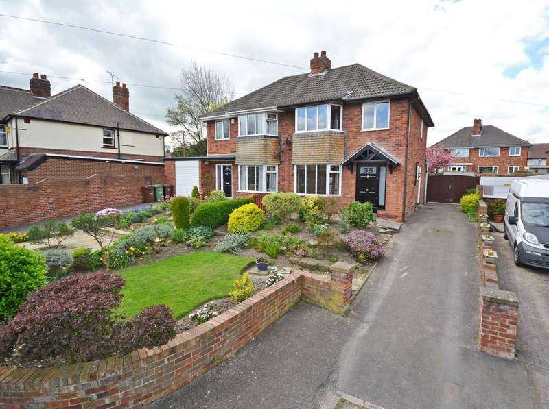 3 Bedrooms Semi Detached House for sale in Ashleigh Avenue, Wakefield