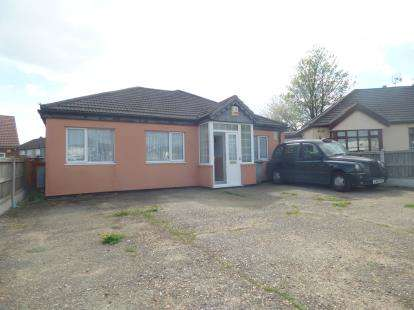 3 Bedrooms Bungalow for sale in Rainham, Essex, .