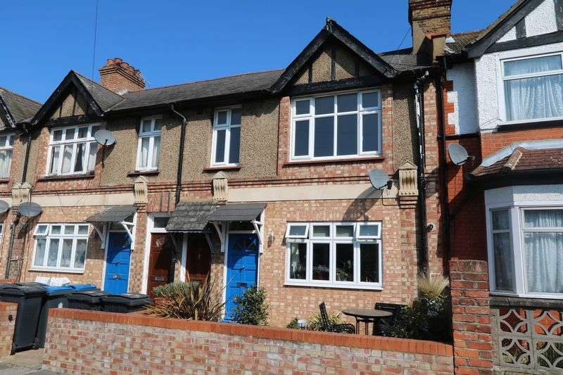 2 Bedrooms Flat for sale in Tolworth Park Road, Surbiton
