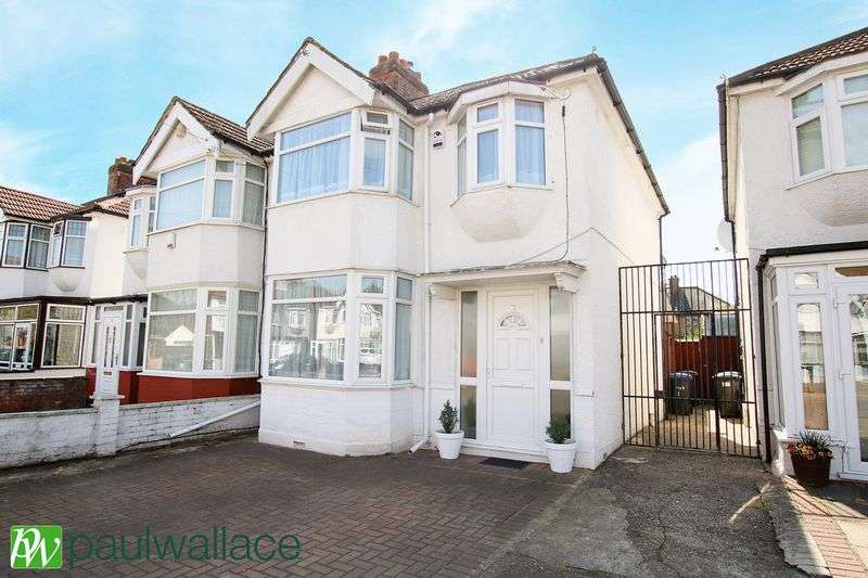 3 Bedrooms Semi Detached House for sale in Hadleigh Road, London