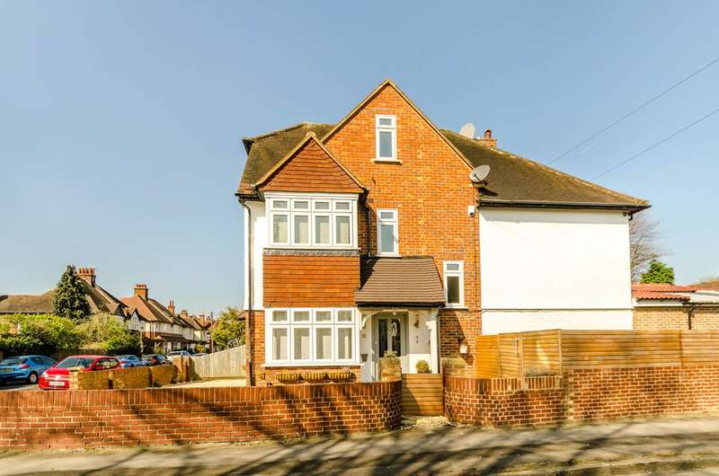 5 Bedrooms Detached House for sale in Westville Road, Thames Ditton, KT7