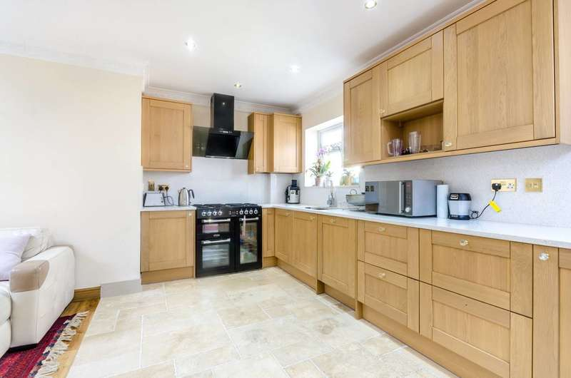 4 Bedrooms Semi Detached House for sale in Eden Park Avenue, Beckenham, BR3