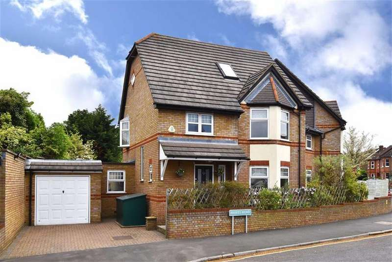 4 Bedrooms Semi Detached House for sale in Hawes Road, Bromley, Kent