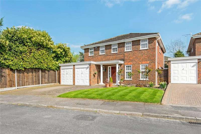 5 Bedrooms Detached House for sale in Eastglade, Northwood, Middlesex, HA6
