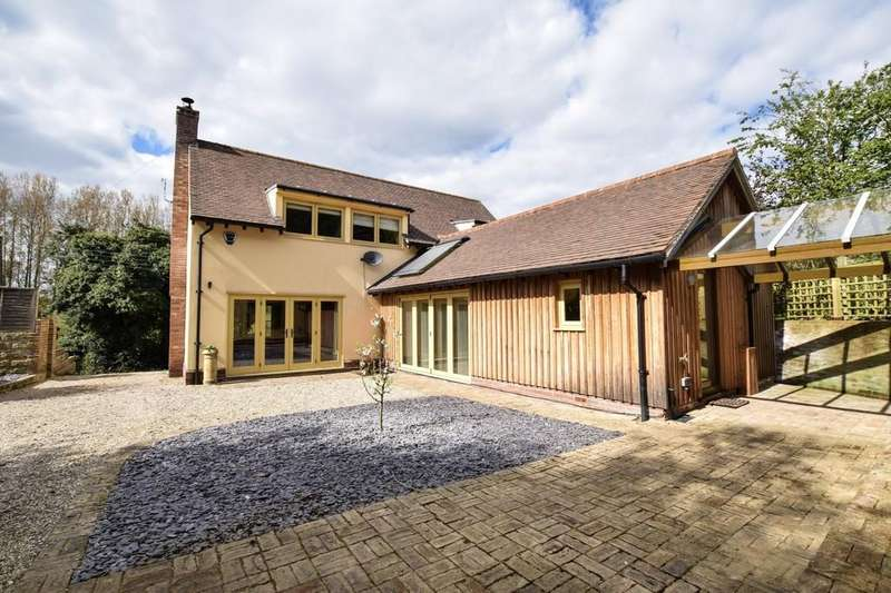 3 Bedrooms Detached House for sale in Stoke By Nayland