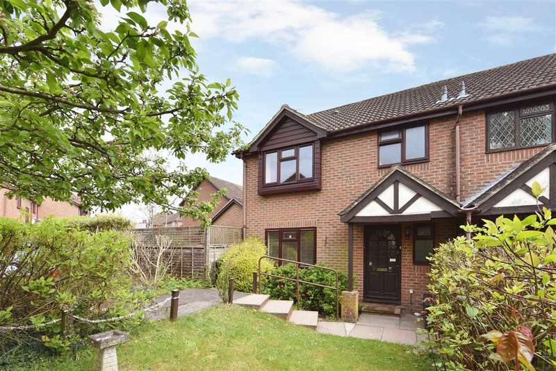 3 Bedrooms Semi Detached House for sale in THE GLADES, LOCKS HEATH