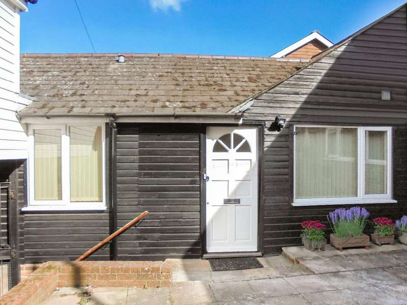 2 Bedrooms Bungalow for sale in The Bungalow, Tenterden