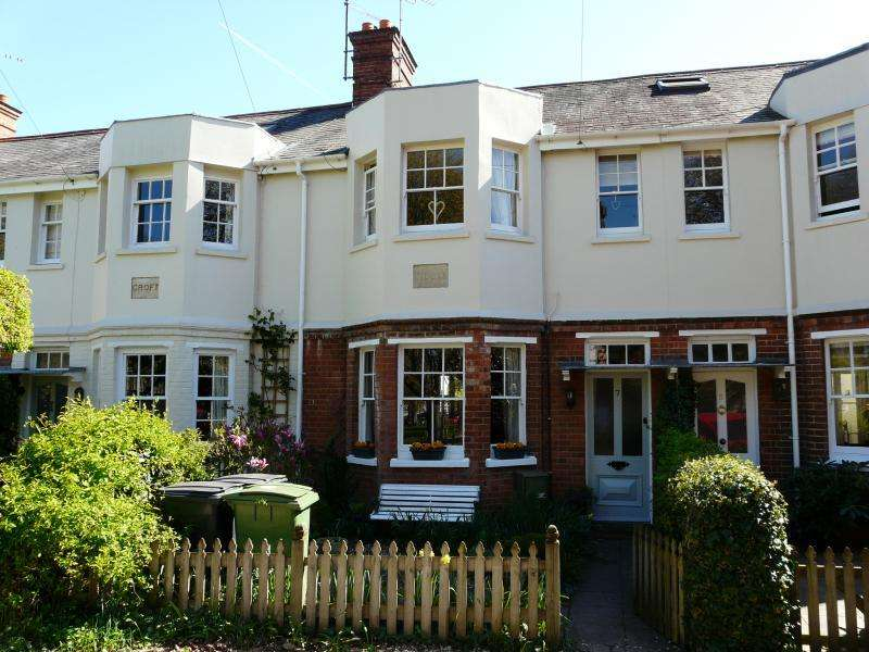 3 Bedrooms Terraced House for sale in The Croft, Hungerford