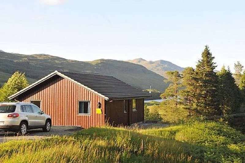 2 Bedrooms Detached House for sale in Portnellan, Glen Dochart, Crianlarich, FK20