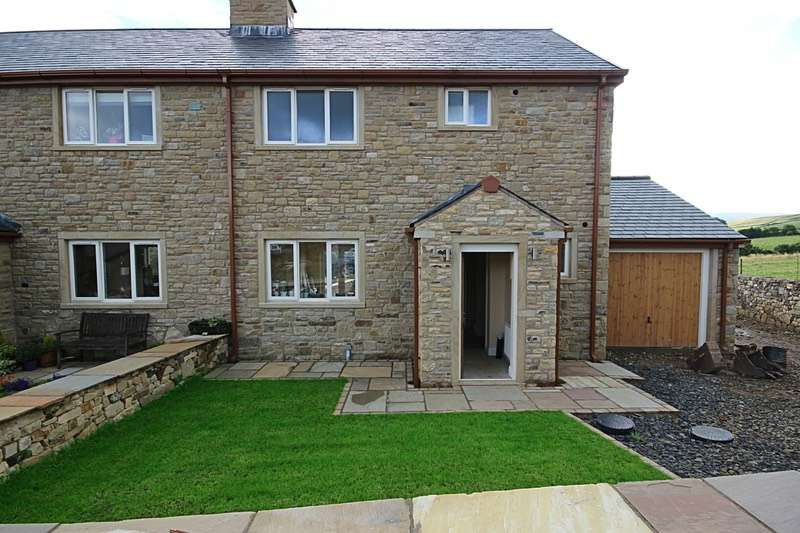 4 Bedrooms Semi Detached House for sale in Green Meadow, Colne, Lancashire, BB8