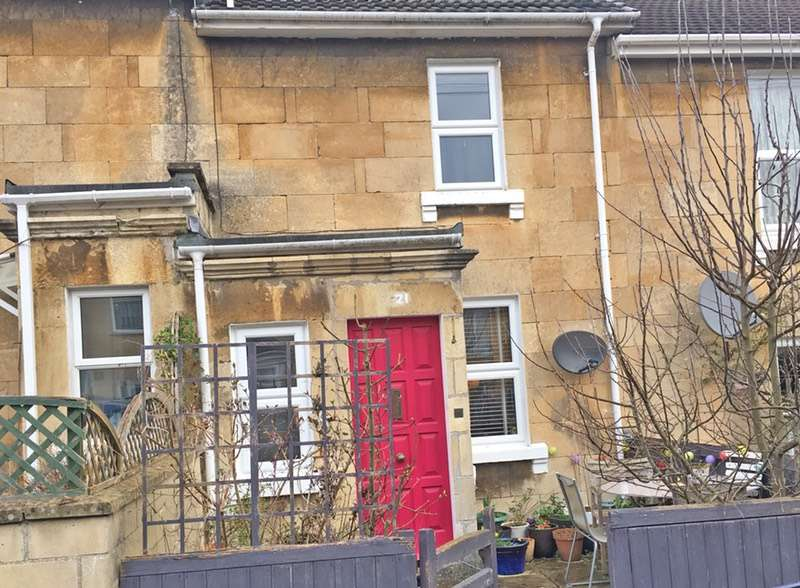 3 Bedrooms Terraced House for sale in Hampton View, Bath, Somerset, BA1