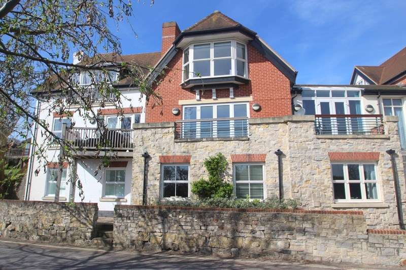 3 Bedrooms Village House for sale in Oyster Quay, Hamble, SOUTHAMPTON