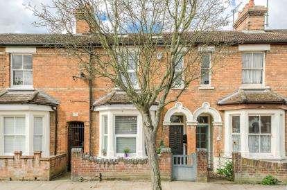 4 Bedrooms Terraced House for sale in Pembroke Street, Bedford, Bedfordshire