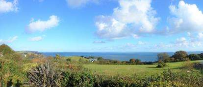3 Bedrooms Bungalow for sale in Strete, Dartmouth