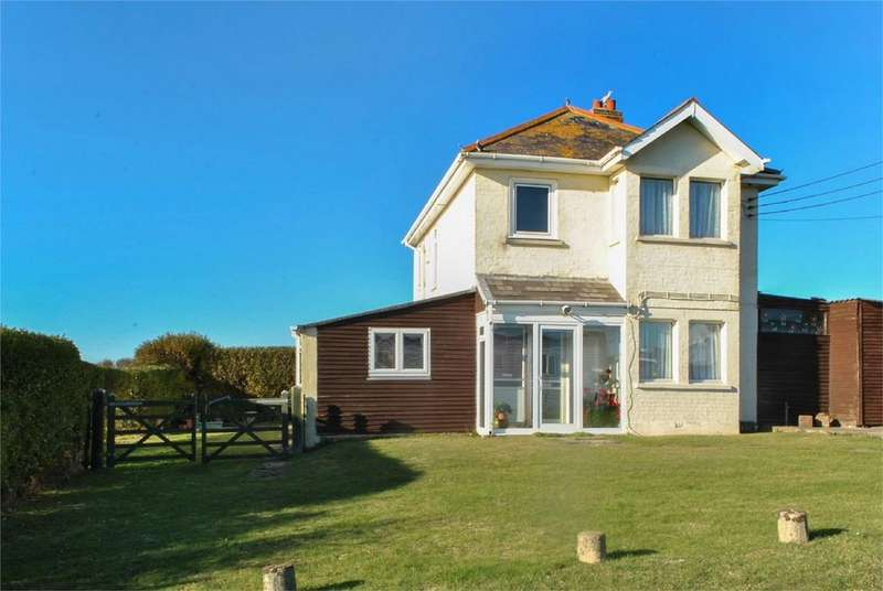 4 Bedrooms Detached House for sale in The Leas, Peacehaven, East Sussex