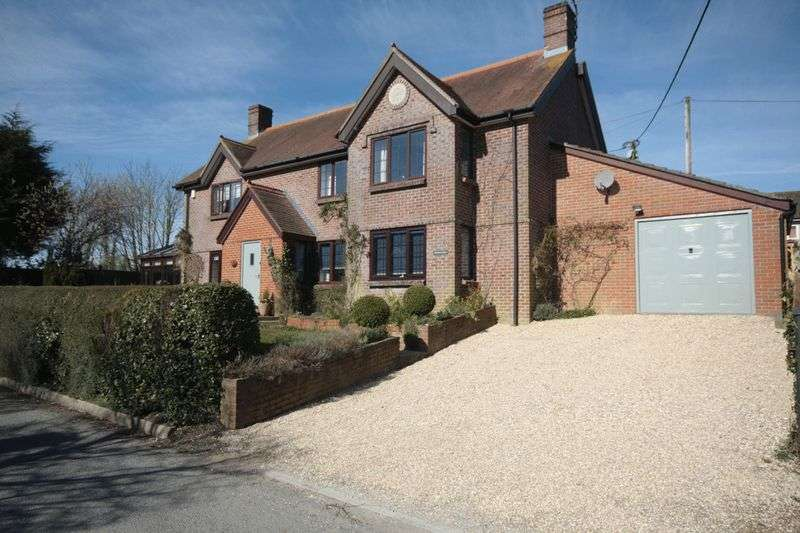 4 Bedrooms Detached House for sale in Melcombe Bingham, Dorset, DT2