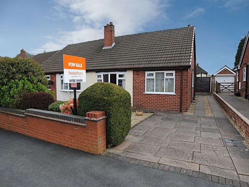 2 Bedrooms Semi Detached Bungalow for sale in Ansmede Grove, Blurton, Stoke-On-Trent, Staffordshire, ST3 3BE