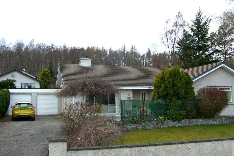 4 Bedrooms Bungalow for sale in Strathspey Drive, Grantown-On-Spey, PH26 3EY