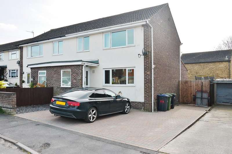 3 Bedrooms Semi Detached House for sale in Pike House Close, Cricklade