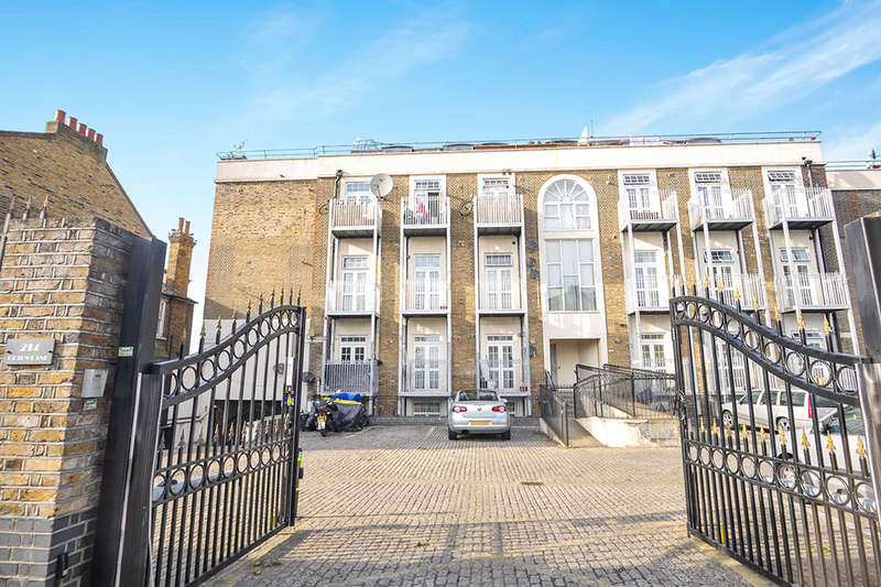 2 Bedrooms Flat for sale in Upton Lane, London, E7