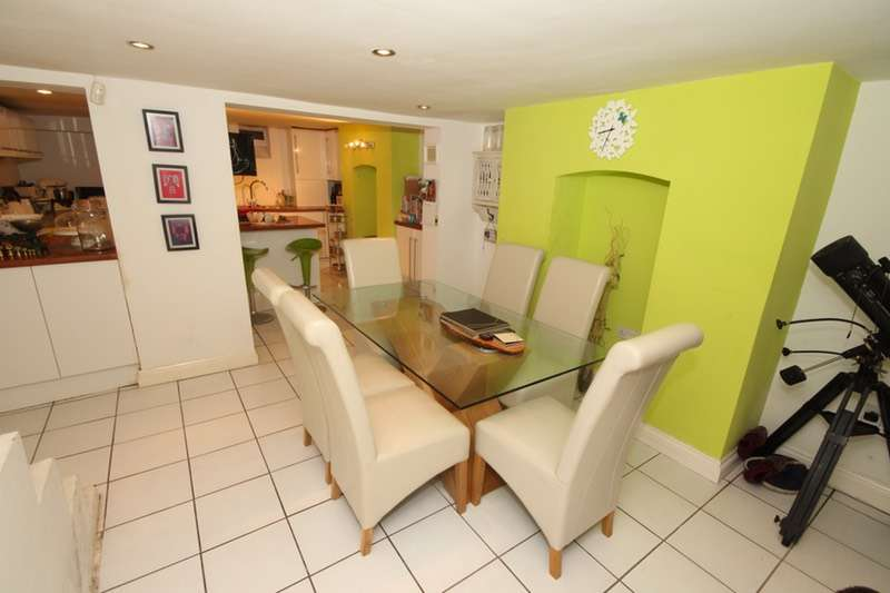 3 Bedrooms Terraced House for sale in Chester street, Chester, Cheshire, CH4