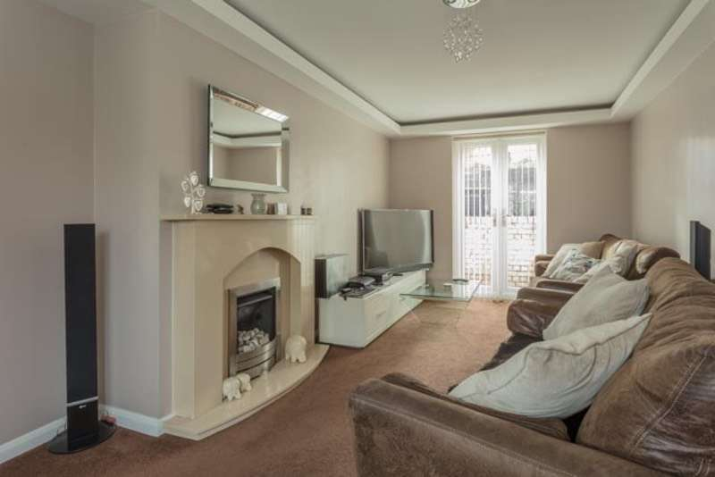 2 Bedrooms Semi Detached House for sale in Lovetot Road, Rotherham, South Yorkshire, S61