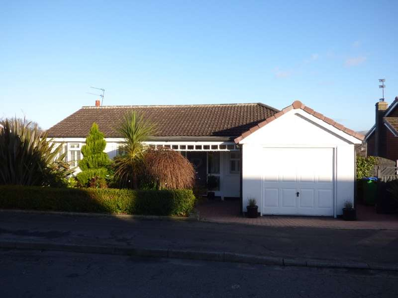 4 Bedrooms Detached House for sale in Marland Fold, Rochdale, Greater Manchester, OL11