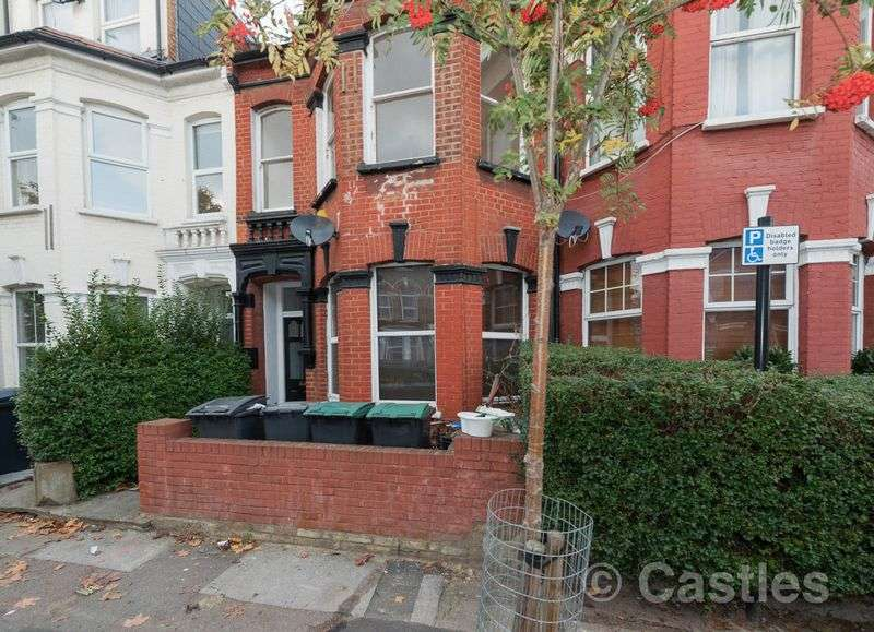 2 Bedrooms Flat for sale in Hampden Road N8
