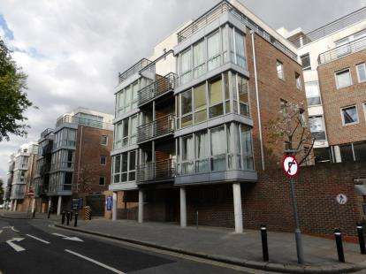1 Bedroom Flat for sale in Admiralty Road, Portsmouth, Hampshire