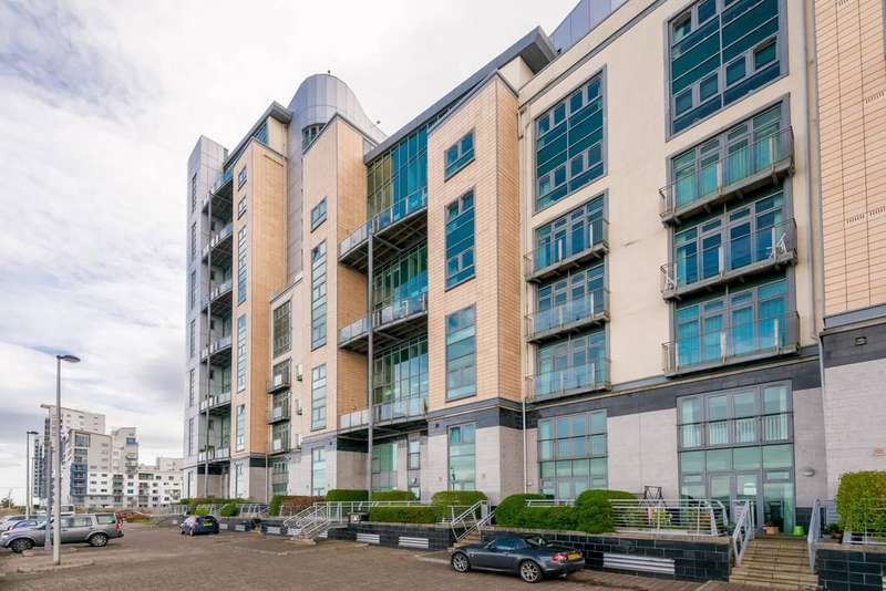 2 Bedrooms Flat for sale in 2/22 Western Harbour Breakwater, Newhaven, EH6 6PA