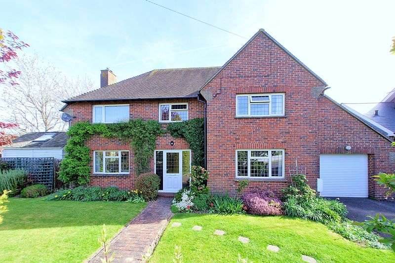 4 Bedrooms Detached House for sale in Grosvenor Road, Chichester, PO19