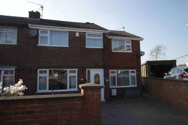 3 Bedrooms Semi Detached House for sale in Ian Road, Stoke-On-Trent, Staffordshire, ST7 4PP