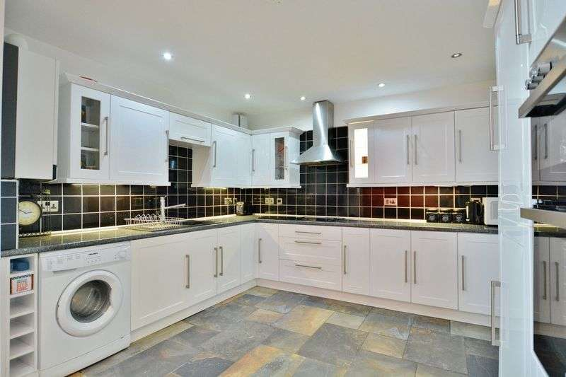 2 Bedrooms Flat for sale in Wybrow Terrace, Workington
