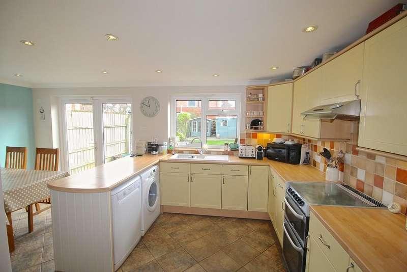 4 Bedrooms Semi Detached House for sale in Brunswick Road, Ipswich
