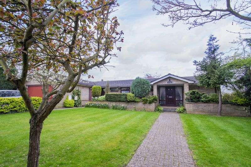 4 Bedrooms Detached Bungalow for sale in High Street, Silsoe