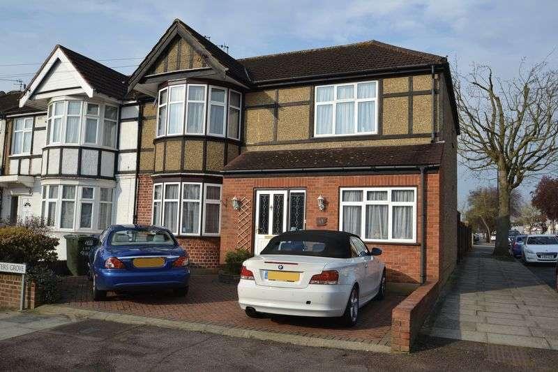 4 Bedrooms Semi Detached House for sale in Hunters Grove Kenton Harrow