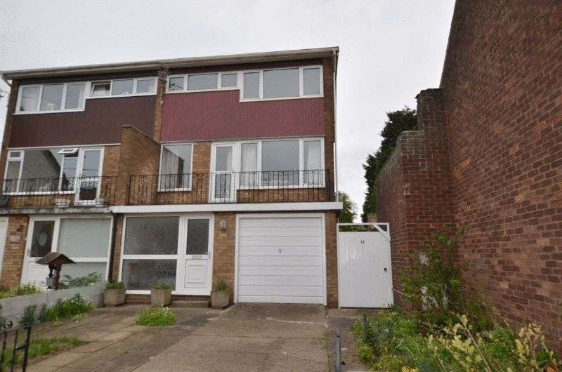 3 Bedrooms Semi Detached House for sale in Park Street, Winterton, Scunthorpe