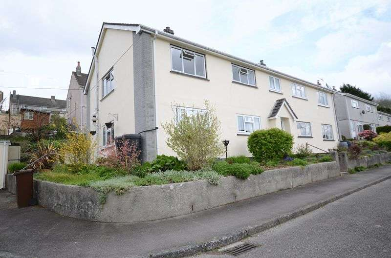 2 Bedrooms Flat for sale in St Andrews Close, Calstock