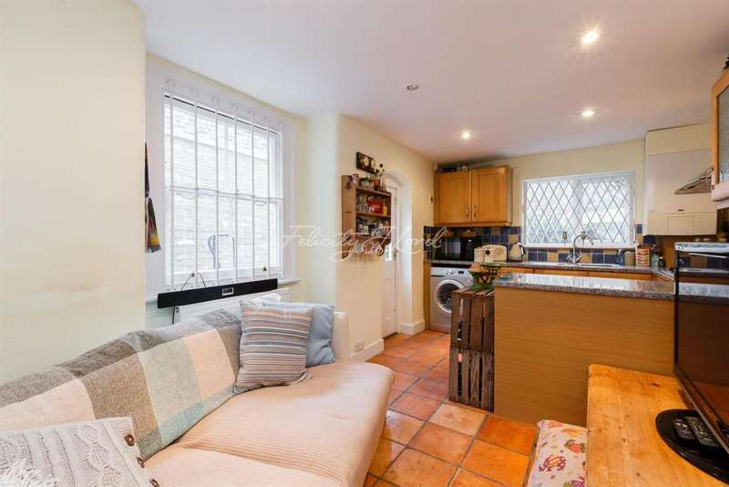 3 Bedrooms Terraced House for sale in Elverson Road, St John's, London, SE8