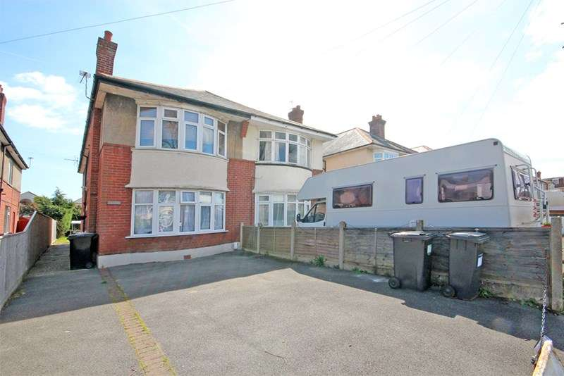 2 Bedrooms Flat for sale in Christchurch Road, Boscombe East, Bournemouth