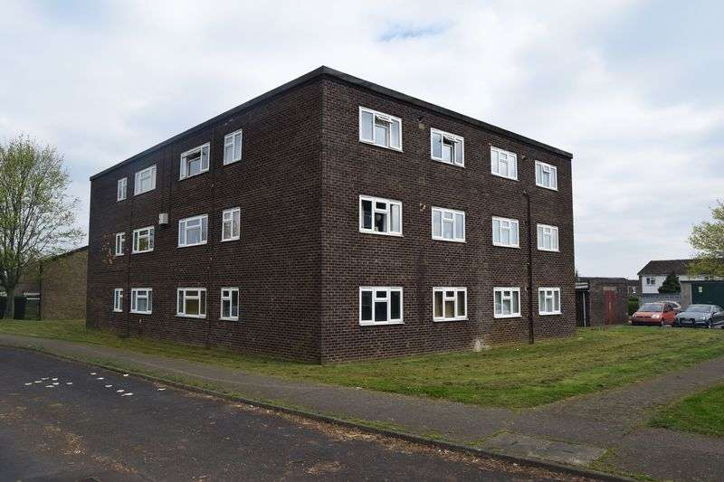 2 Bedrooms Flat for sale in Viscount Court, St. Neots