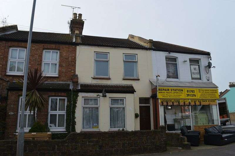2 Bedrooms Terraced House for sale in Ness Road, Shoeburyness